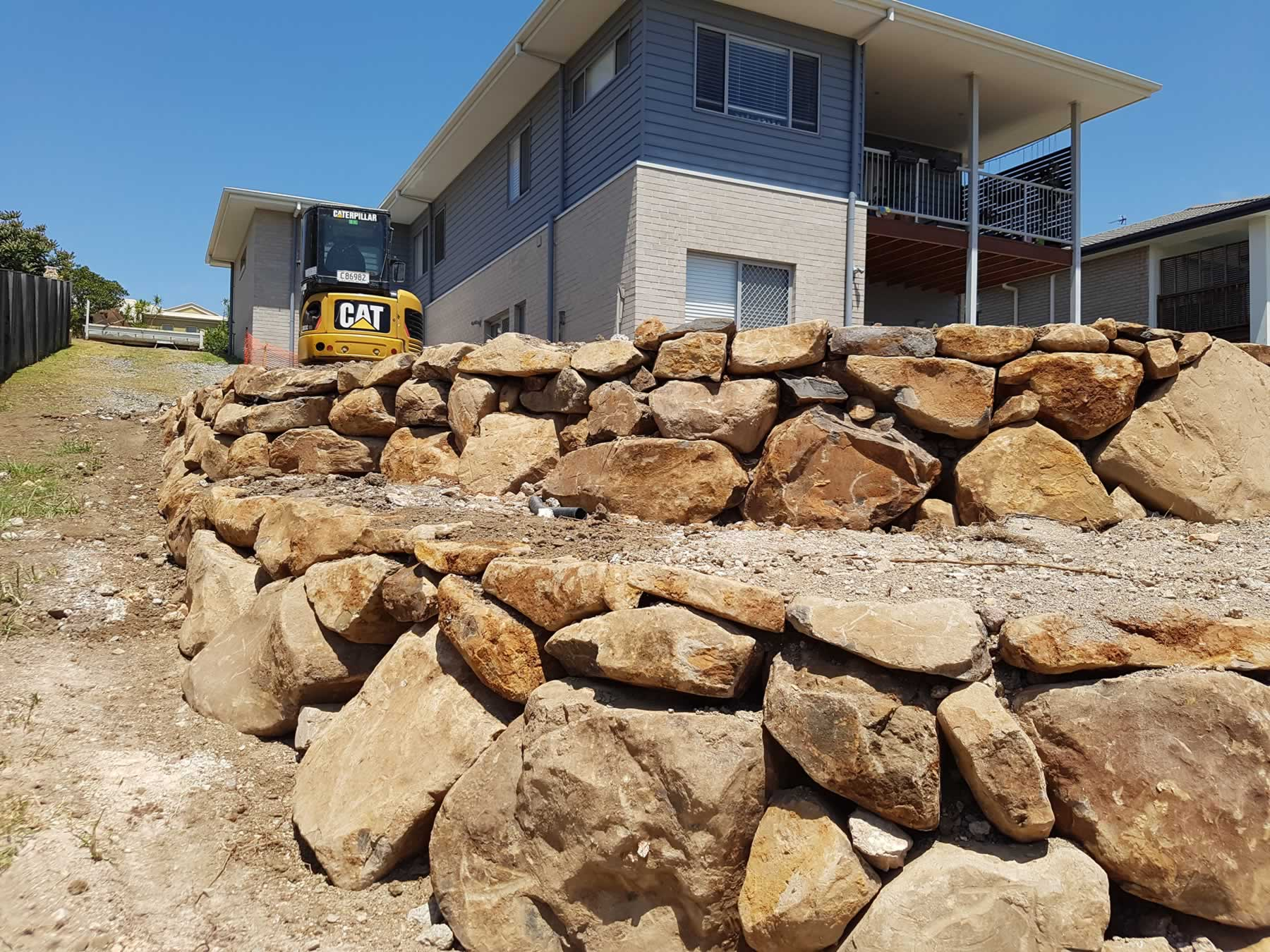 Gold Coast bush rock wall builder