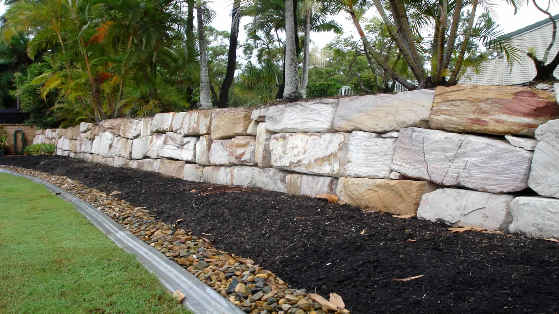 Randomly placed stones rock retaining walls gold coast