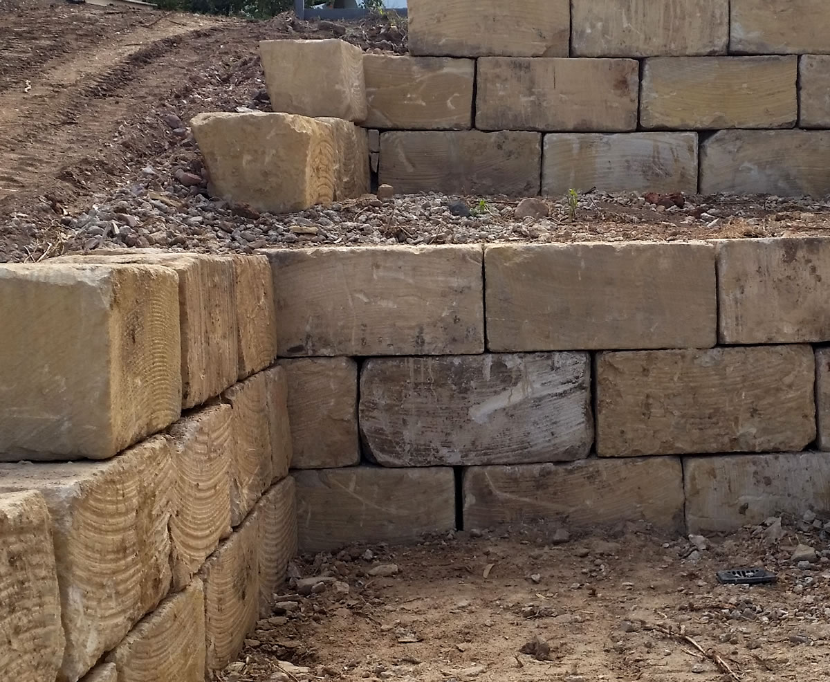 sandstone rock retaining walls gold coast