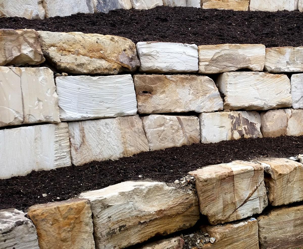 sandstone rock walls gold coast